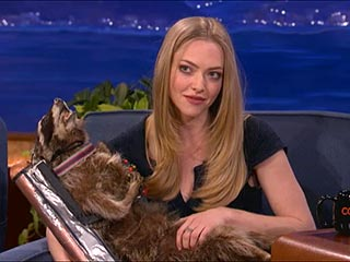 Amanda Seyfried Gets Taxidermied Racoon from Conan | Amanda Seyfried