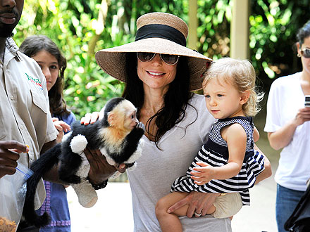Bethenny Frankel, Bryn Meet Monkey in Miami