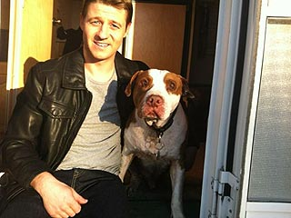 Ben McKenzie's Pit Bull 'Is a Little Too California' | Benjamin McKenzie