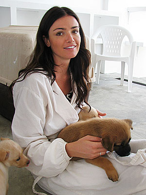 Courtney & Ben Cuddle Adoptable Puppies in Mexico| Stars and Pets, Dogs, Ben Flajnik, Courtney Robertson