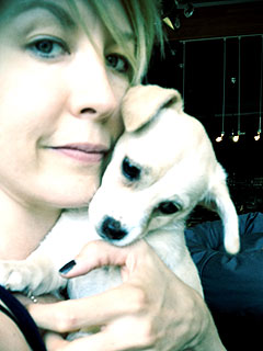 It's the Girly Show! Jenna Elfman Adopts a Puppy |