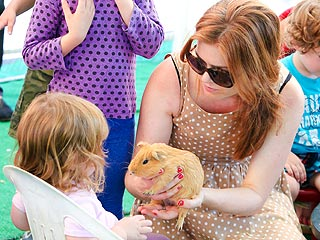 To the Petting Zoo! Isla Fisher & Mark McGrath Have Family Fun with Ponies | Isla Fisher