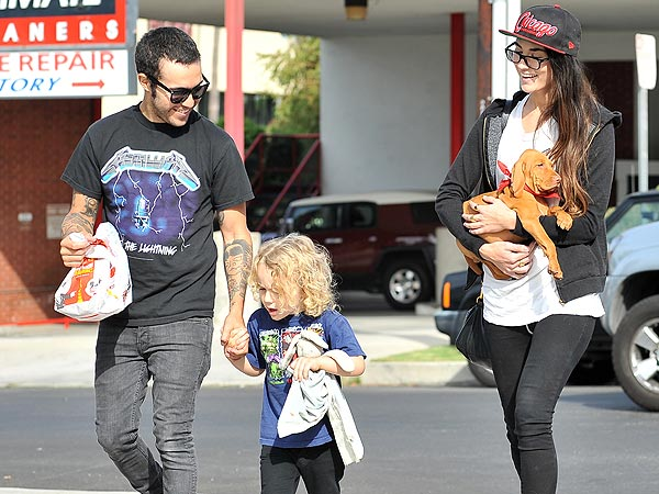 Bronx Names Pete Wentz's Dog ... After the Berenstain Bears!