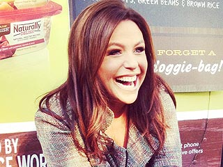 Rachael Ray's Food Truck for Dogs Gets Rolling in N.Y.C. | Rachael Ray