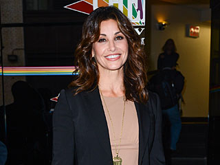 Gina Gershon Loses Her Cat – and Her Mind – in New Memoir | Gina Gershon