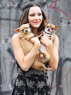 Katharine McPhee Gets a Set Visit from Larry and Nena