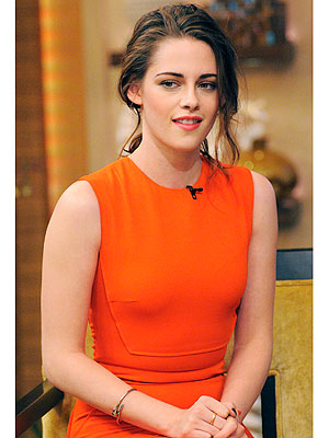 Kristen Stewart Talks Dogs Bear, Bernie on Live with Kelly and Michael