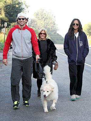 Bradley Cooper, Zoe Saldana Walk Dog on Thanksgiving