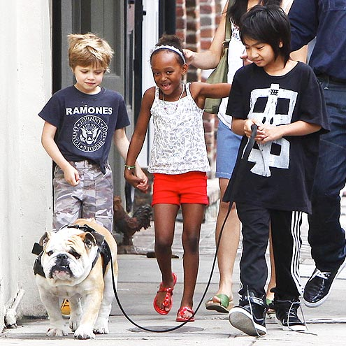 SHILOH, ZAHARA & MADDOX photo | Maddox Jolie-Pitt, Shiloh Jolie-Pitt, Zahara Jolie-Pitt