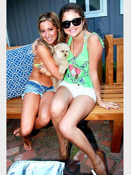 ASHLEY TISDALE & SELENA GOMEZ photo | Ashley Tisdale, Selena Gomez