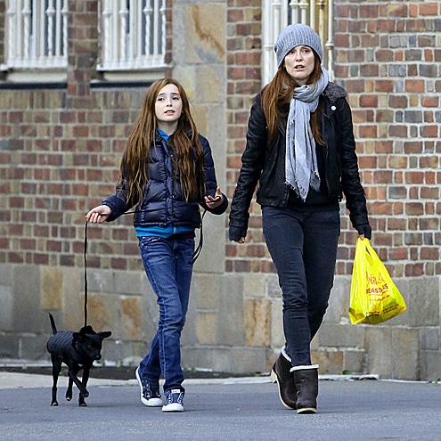 Kristen Bell Reacts as Dax Shepard and Daughter Discuss Swearing | E! News