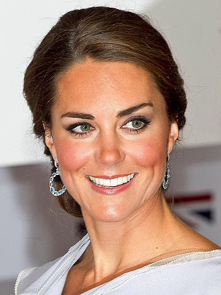 KNOTTED UP photo | Kate Middleton