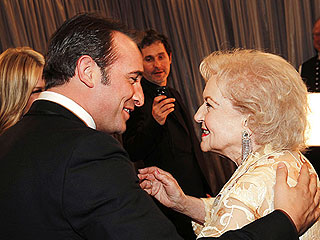Best SAG 2012 Moments You Didn't See on TV | Betty White, Jean Dujardin
