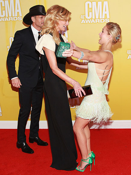 photo | Faith Hill, Hayden Panettiere, Tim McGraw
