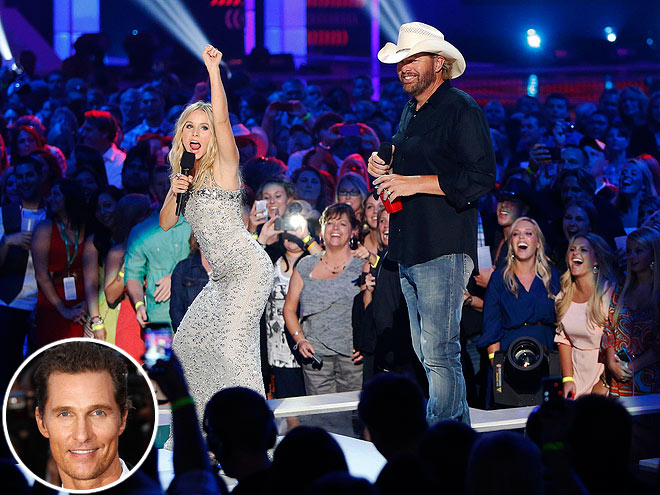  photo | Kristen Bell, Matthew McConaughey, Toby Keith