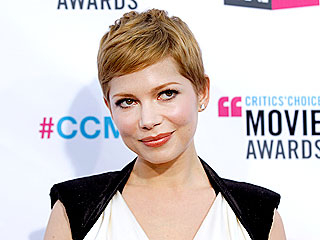 17 Winning Looks from the 2012 Critics' Choice Awards | Michelle Williams