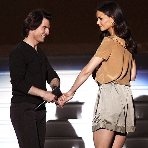 STAGE HANDS photo | Katie Holmes, Tom Cruise