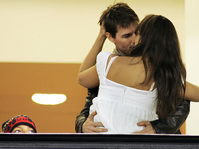 KISS CAM photo | Katie Holmes, Tom Cruise