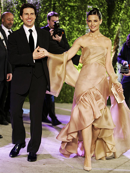 BLUSHING BRIDE photo | Katie Holmes, Tom Cruise