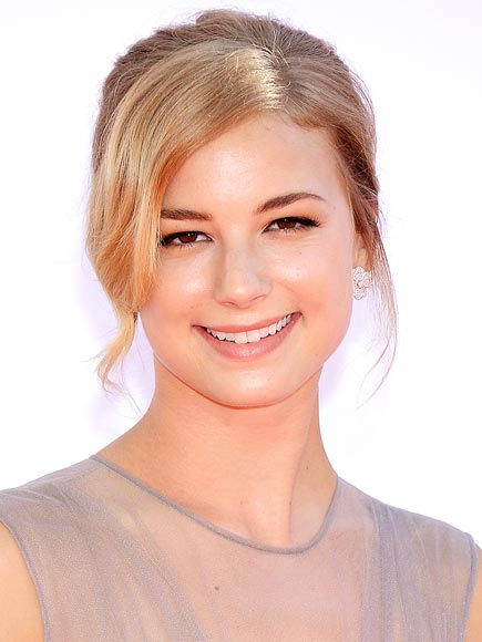 EMILY VANCAMP'S DEWY SKIN photo | Emily VanCamp