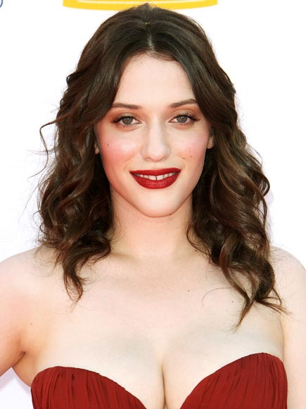 KAT DENNINGS'S BURGUNDY LIPS photo | Kat Dennings