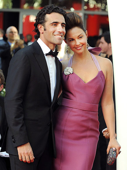 ASHLEY JUDD & DARIO FRANCHITTI photo | Ashley Judd