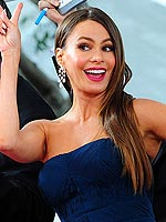 Silliest Red Carpet 2012 Globes Moments | Sofia Vergara