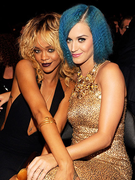 KEEPING IT COZY photo | Katy Perry, Rihanna