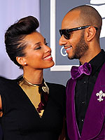 Grammy 2012&#39;s Dazzling Duos | Alicia Keys