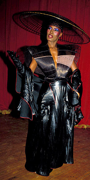 GRACE JONES, 1983 photo | Grace Jones