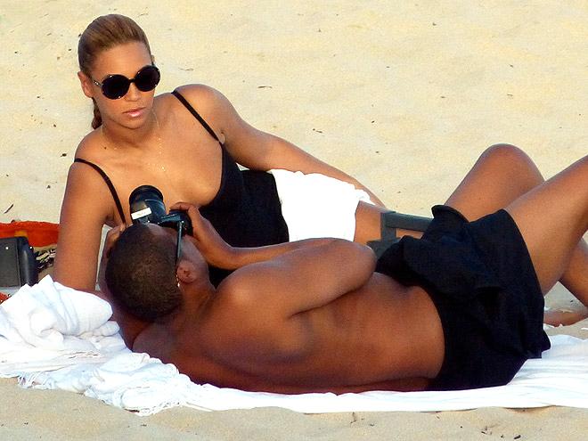 JAY-Z AND BEYONCÉ photo | Beyonce Knowles, Jay-Z