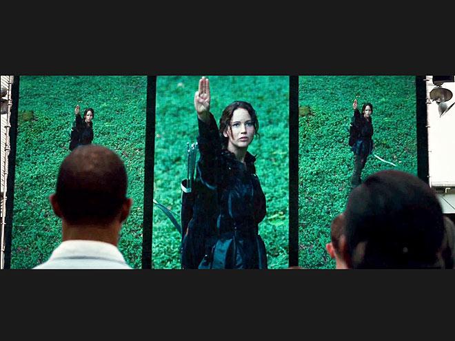 KATNISS'S FINAL SCENE WITH RUE  photo | Jennifer Lawrence
