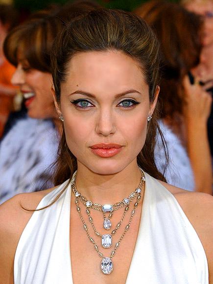 Noites Brancas foto | Angelina Jolie