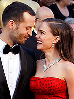 Flashback: Oscars' Most Adoring Couples