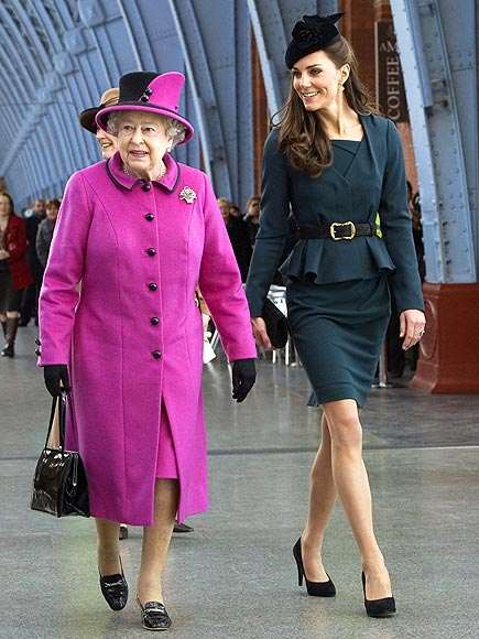 FIRST DIAMOND JUBILEE TOUR   photo | Kate Middleton, Queen Elizabeth II