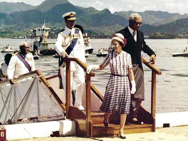 SOUTH PACIFIC PARADISE  photo | Queen Elizabeth II