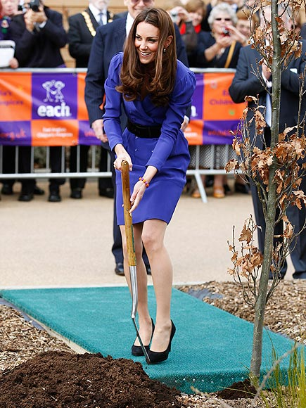 DIGGING DEEP  photo | Kate Middleton