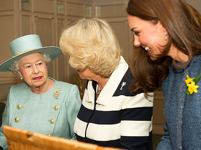 IN-LAW IN-JOKE photo | Kate Middleton, Queen Elizabeth II