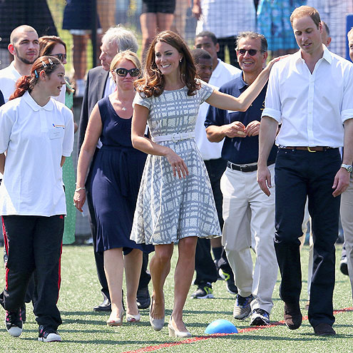HANDS-ON photo | Kate Middleton, Prince William