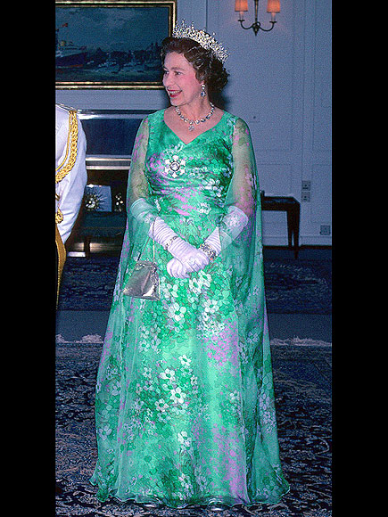 Queen Elizabeth Ii 60 Years Of Style
