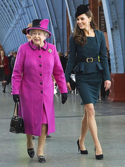 Елизавета II и Кэтрин Кембриджская