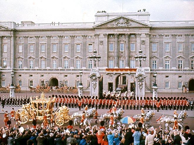 SILVER BELLE photo   Queen Elizabeth II