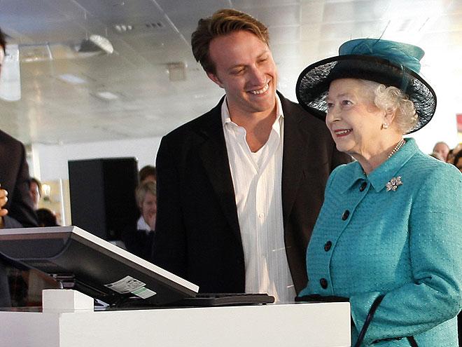 ONLINE PIONEER photo | Queen Elizabeth II