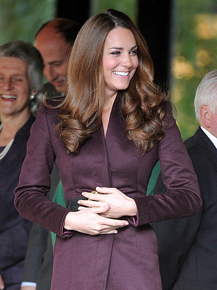 2. HAND SIGNALS photo | Kate Middleton