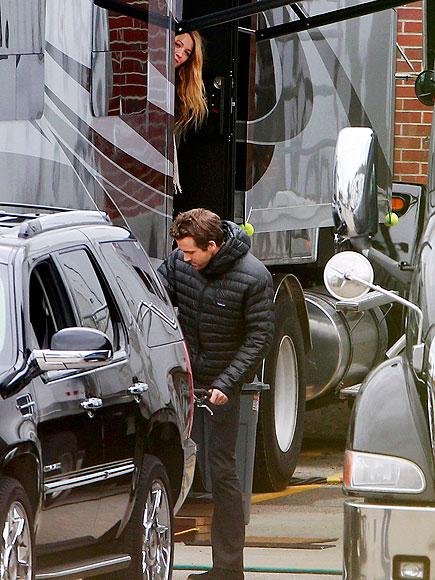 BIRTHDAY TREAT photo | Blake Lively, Ryan Reynolds