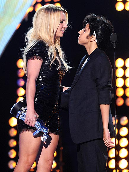 3: TMI STAGE SMOOCHES photo | Britney Spears, Lady Gaga