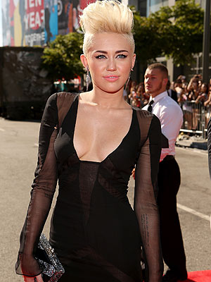 News  Miley Cyrus on Img2 Timeinc Net People I 2012 Specials Vmas News Miley Cyrus 300 Jpg