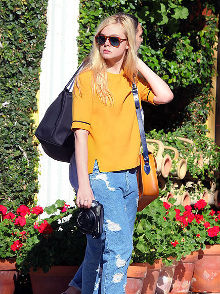 YELLOW THERE! photo   Elle Fanning