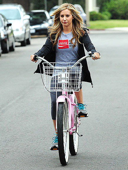 BIKER BABE
