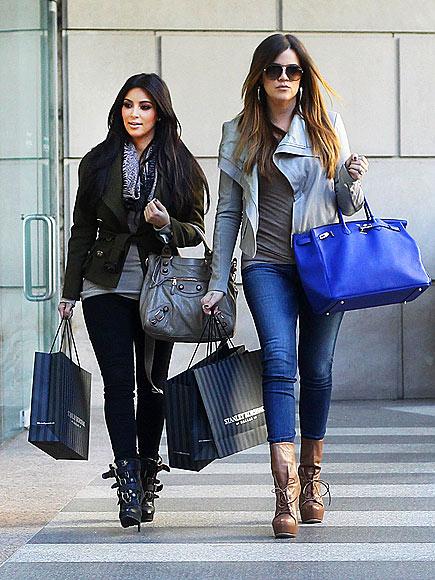 TEXAS TWOSOME  photo | Khloe Kardashian, Kim Kardashian